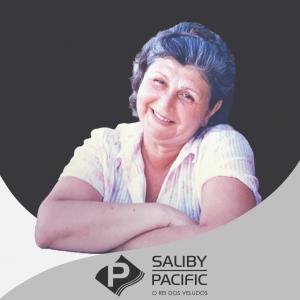 imagem da Fundadora Iracema Saliby, atendente virtual da loja de tecidos Saliby Pacific - Rei dos Veludos